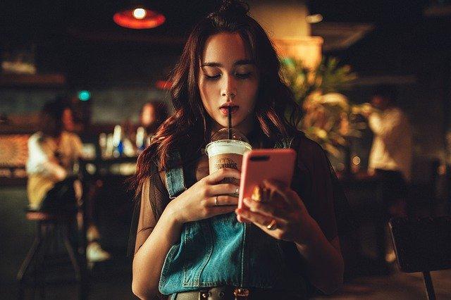 дівчина жінка кава час ресурс