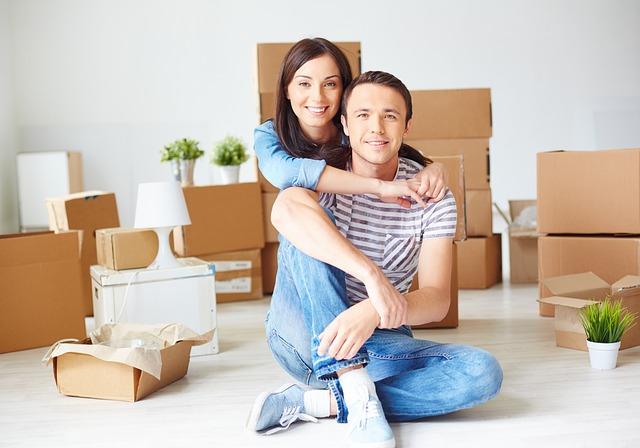 жінка і чоловік правила спільно разом переїзд