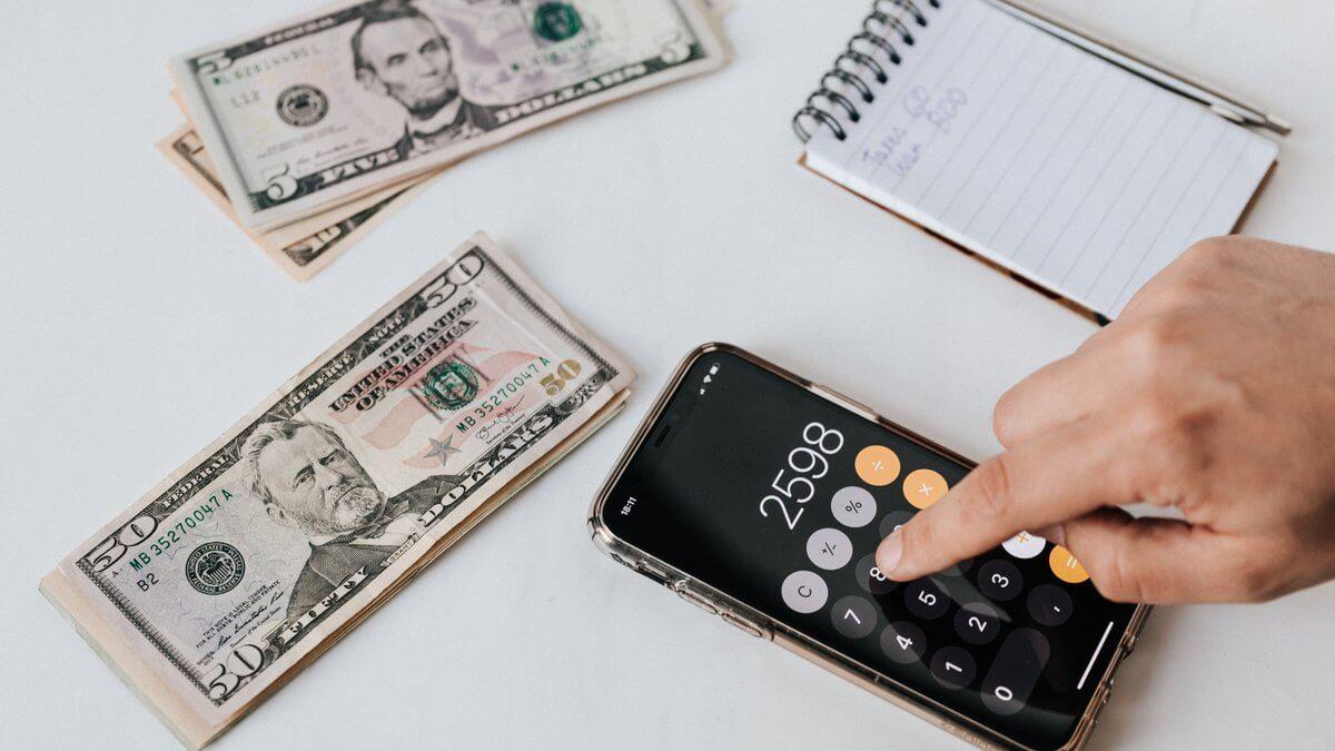 Як правильно рахувати гроші за годину