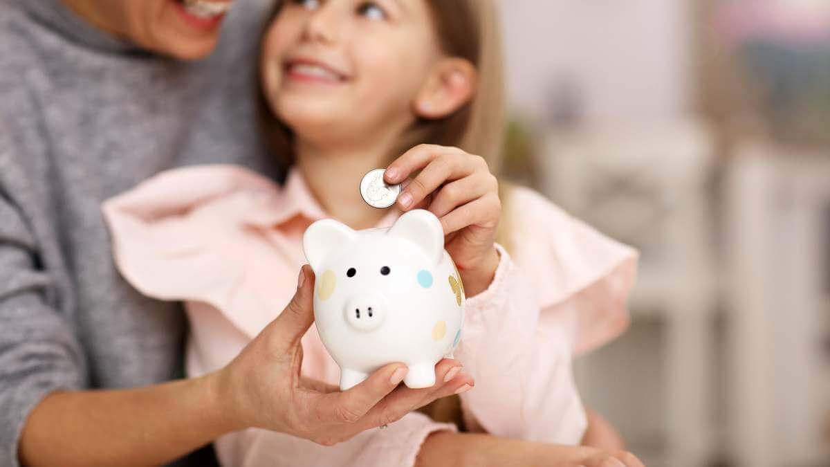 Про що мовчать батьки своїм дітям про гроші